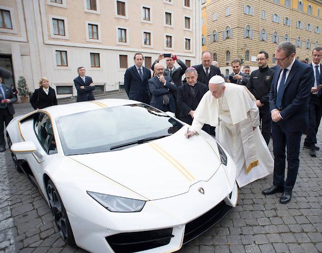Lamborghini Huracán RWD - Papa Francisco