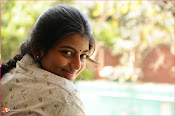 Tholipremalo Movie Stills-thumbnail-19