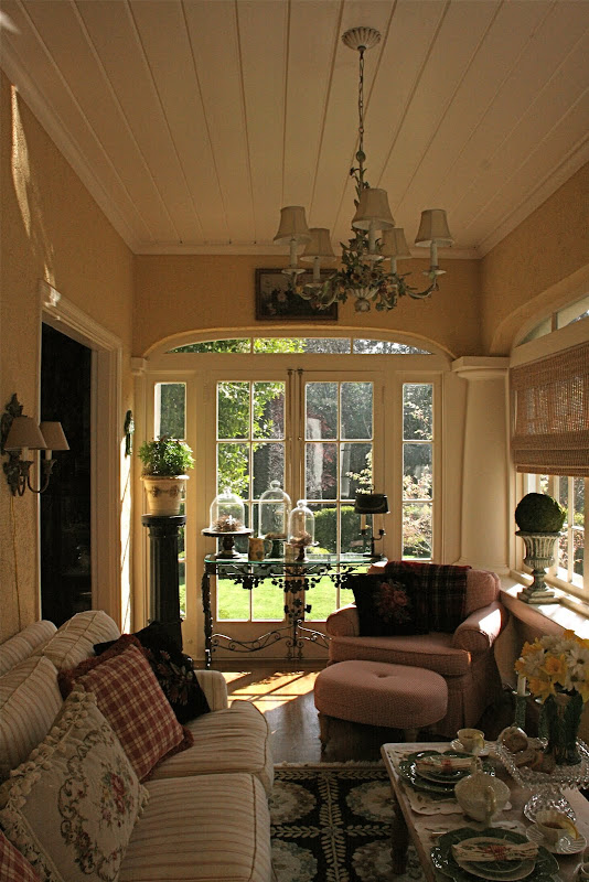 Front Rooms Designs: Vignette Design: Tuesday Inspiration: Porches And Sunrooms