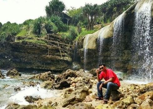 Air Terjun Pantai Jogan Gunung Kidul Yogyakarta