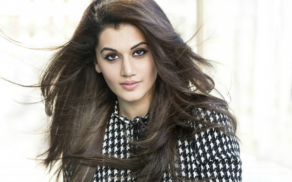 Twitter User Threatened To Beat Taapsee With Belt & Slippers. Arjun & Vicky Kaushal Slammed Hater