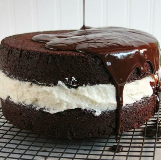 DING DONG CAKE #cakes #chocolate