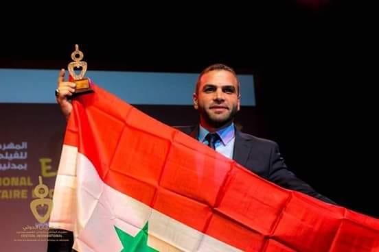 المهند كلثوم يحصد جائزة لجنة التحكيم عن فيلم على سطح دمشق