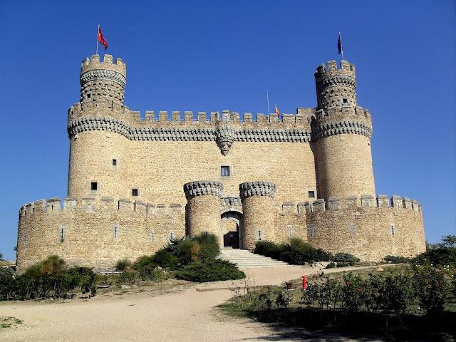 visitar el castillo de manzanares el real desde Madrid