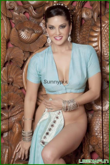 Sunny Leone Hot In Blue Saree,Blouse Removing  Play Matches-6500