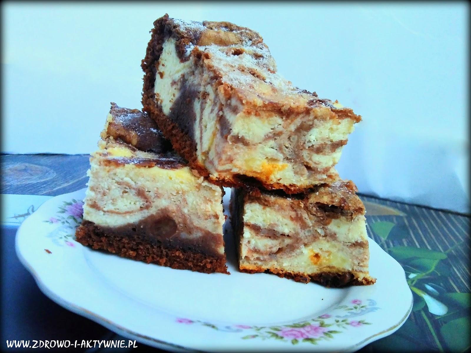 Sernik w cieście murzynkowym-dwa ciasta w jednym!