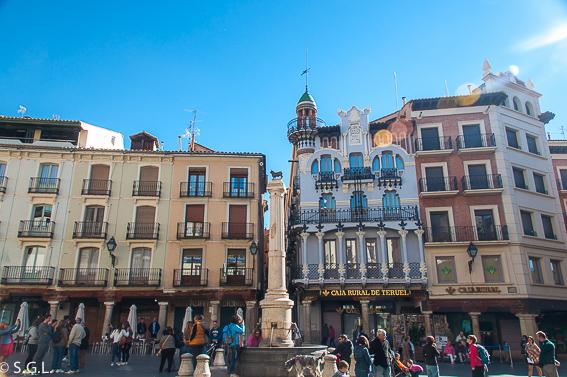 La plaza del torico. Visitando Teruel del mudejar al modernismo