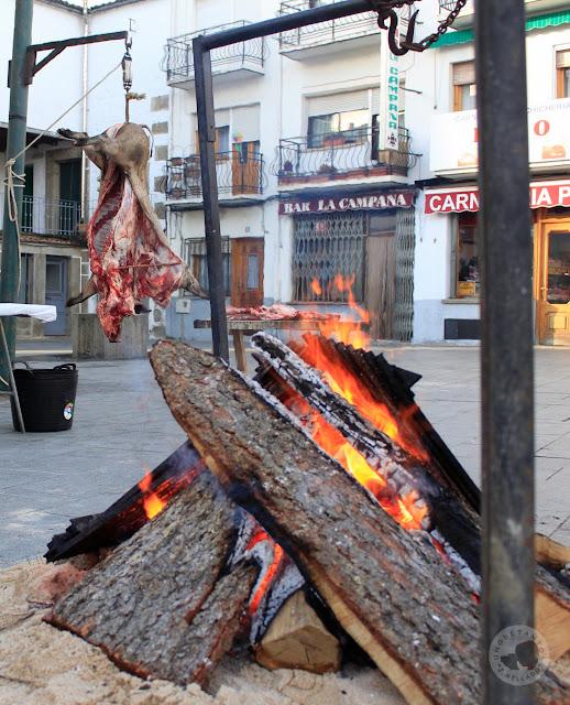https://unodetanos.blogspot.com.es/2018/01/fiesta-de-la-matanza-en-navaluenga.html