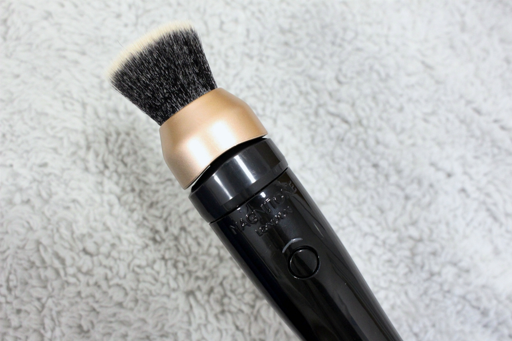 Magnitone Makeup Brush