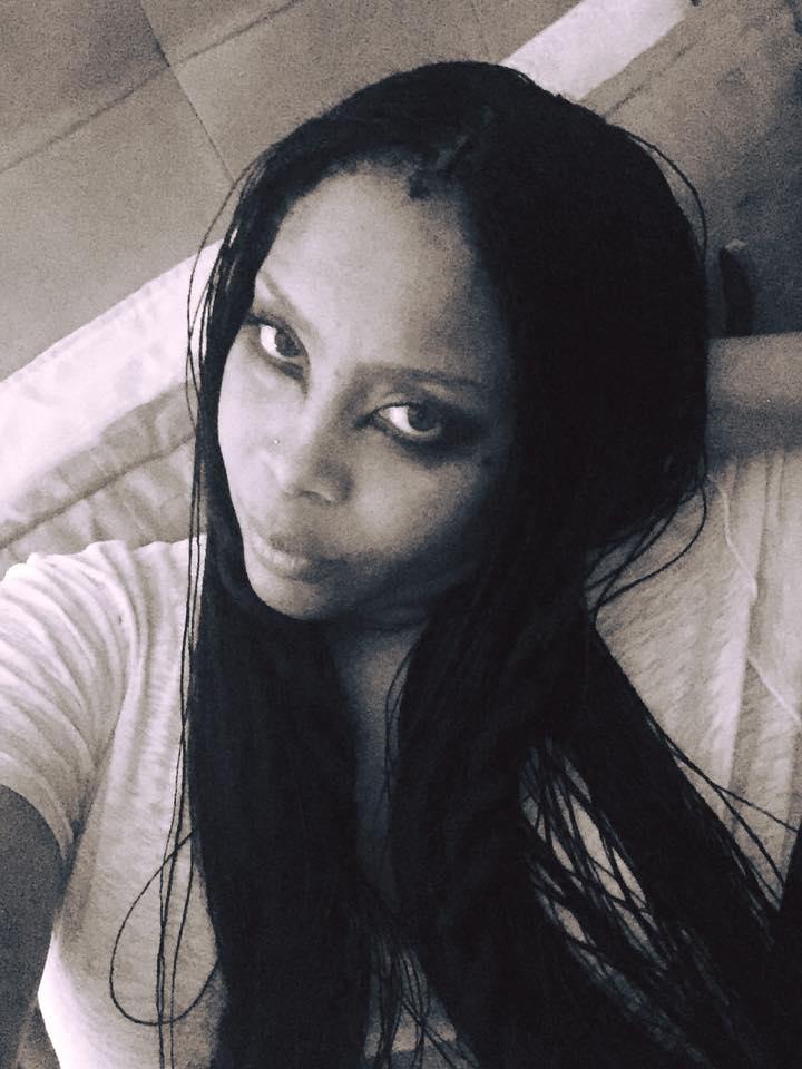 Erykah Badu Shows Off Tiny Micro Braids