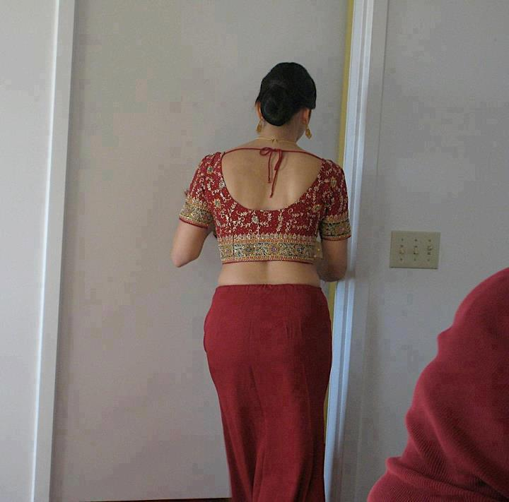 Hot Desi Aunties Half Dress Photos