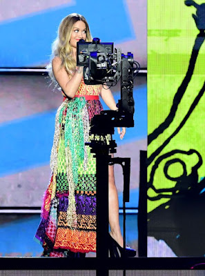 1 Rita Ora Is Mocked For Her Multiple Outfits While Hosting MTV EMAs Foreign