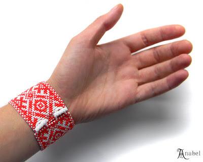 купить браслет из бисера красный с белым славянский стиль