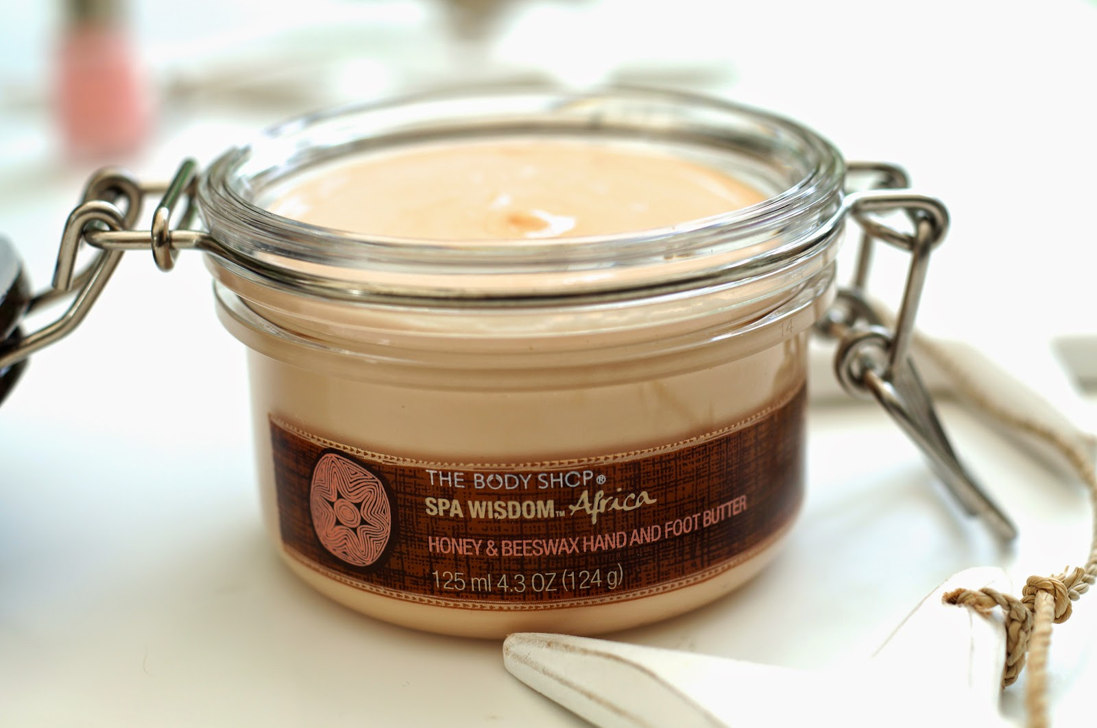 Honey & Beeswax Hand and Foot Butter The Body Shop
