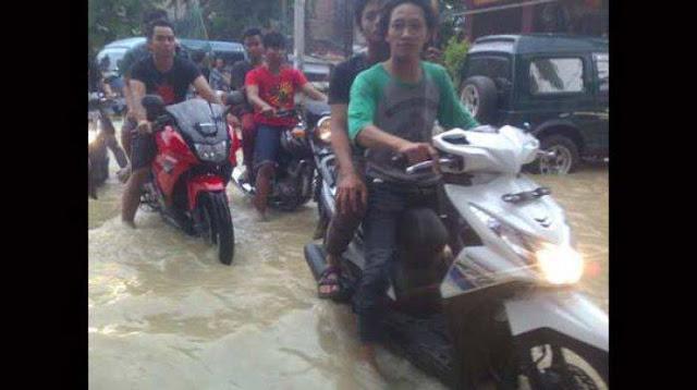 Gresik24jam - Kali Lamong Banjir Kini Meluas ke Empat Kecamatan