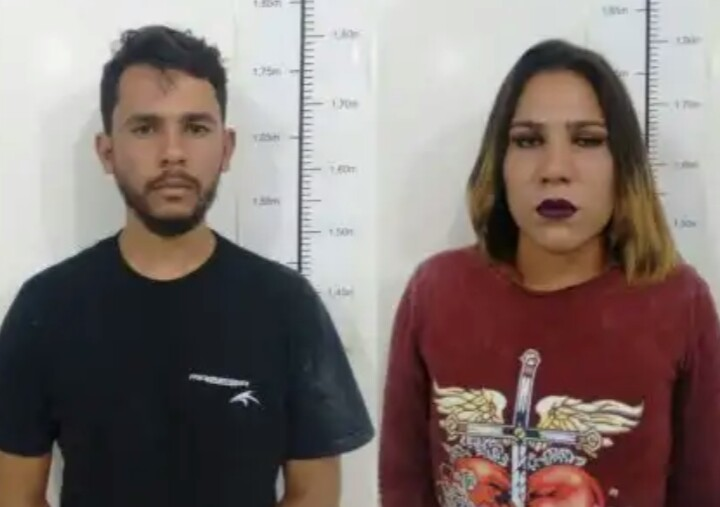 TRANSEXUAL DE ITAMBÉ E DUPLA SÃO PRESOS POR TRÁFICO DE DROGAS EM CONQUISTA 7d61116062e71