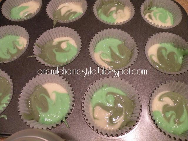 Camo cupcake batter