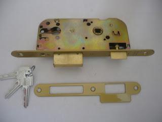 Venta y montaje de barras antipánico TESA