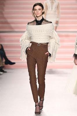 Maglione in lana con blusa