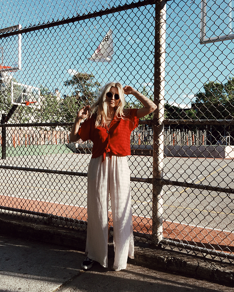 heleneisfor x aritzia brooklyn Wilfred Free Huang Blouse, Cienne New York pants, Vansgirls Old Skool sneakers, Warby Parker Dorothy sunglasses