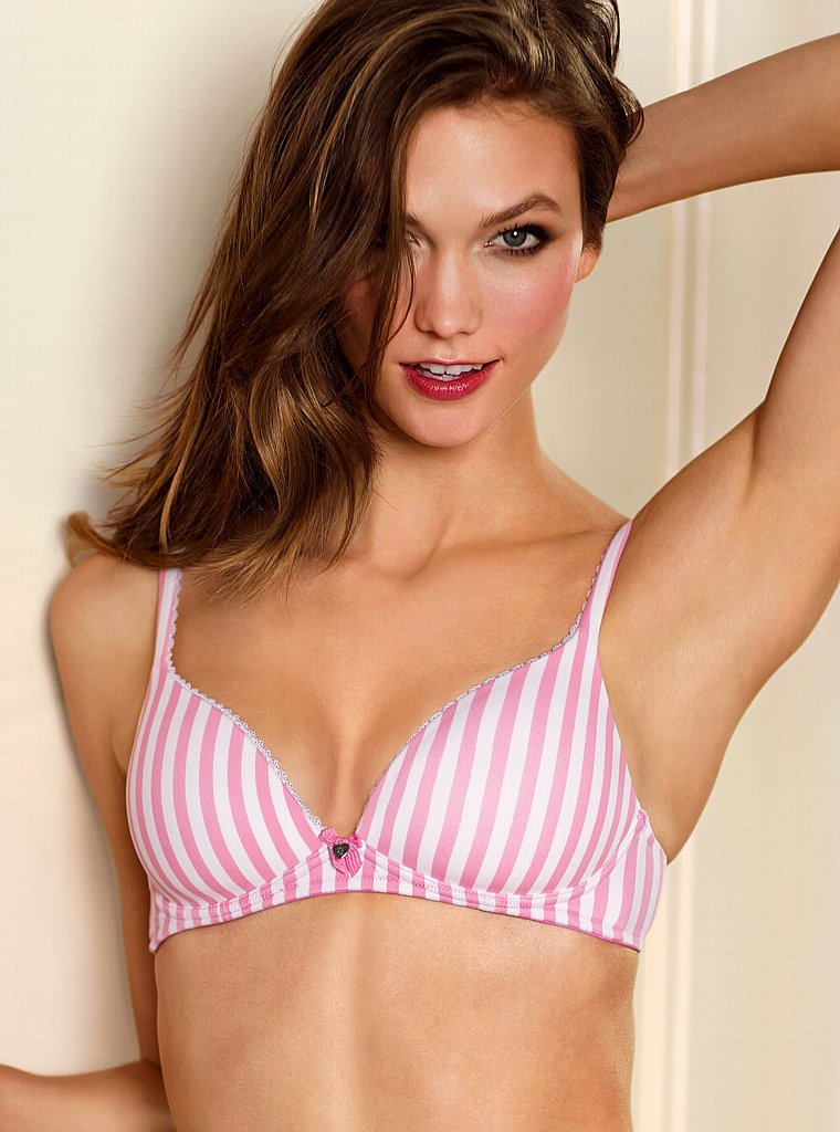 Karlie Kloss Photo Gallery