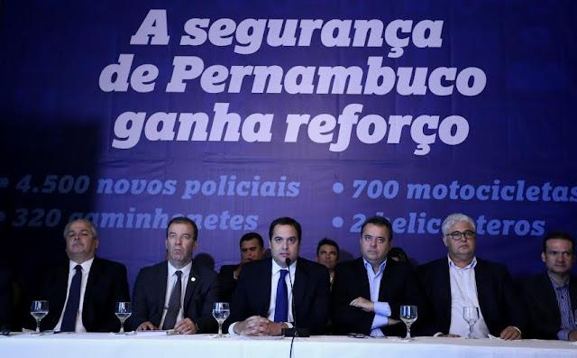 Resultado de imagem para foto Governo de Pernambuco anuncia contratação de 4,5 mil policiais e concursos anuais para a PM