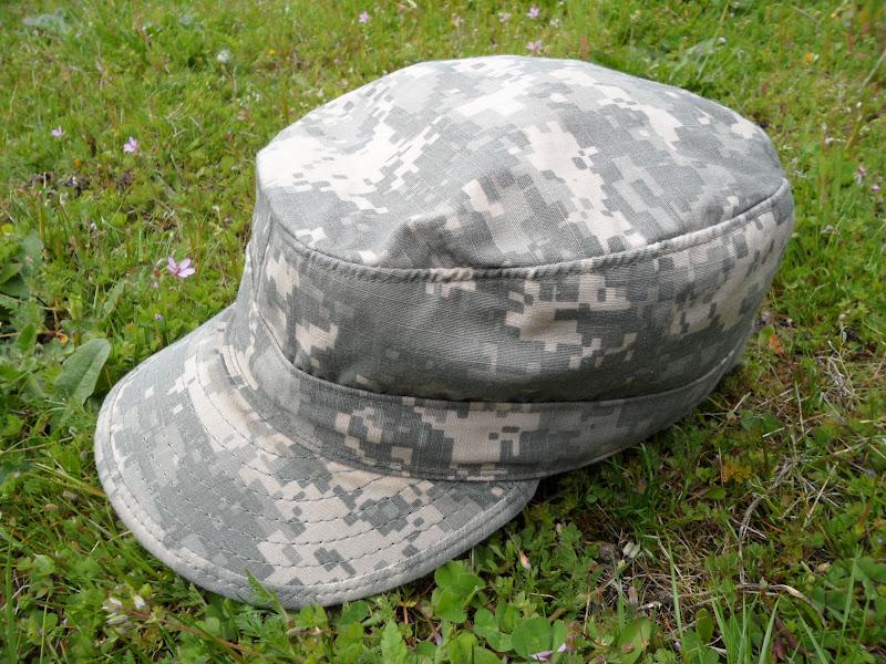 Four Bees: US Army Digital Camo Patrol Hat, Universal Camoflage