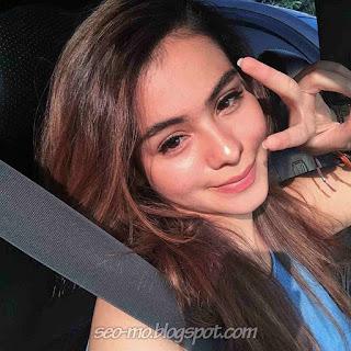 Poto Sahila Hisyam selfie didalam mobil