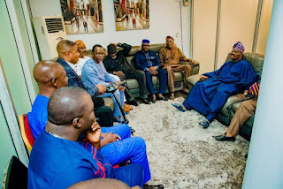 Gov. Ajimobi Holds Peace Meeting With Yinka Ayefele Over Demolition Of Music House (photos)