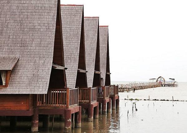 Wisata Cirebon Ade Irma Suryani Waterland