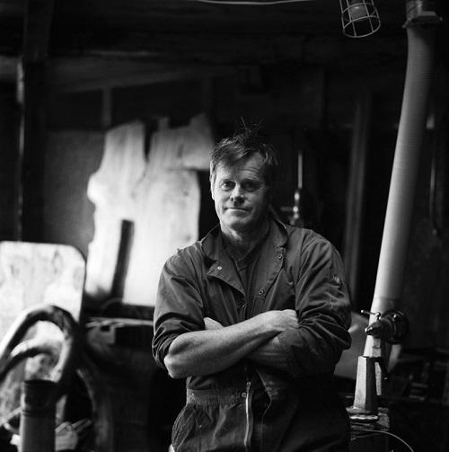 Kevin Percival, fotos en blanco y negro, imagenes de hombre trabajador, mecanico, retrato,