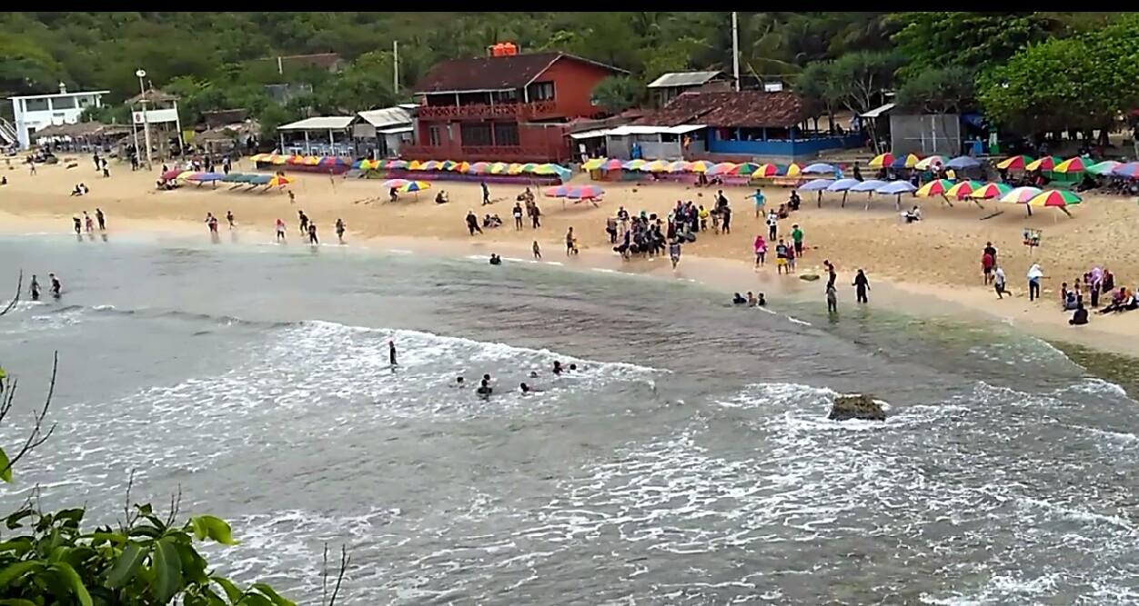 Pantai Indrayanti Gunungkidul, Pesona Keindahan Alami