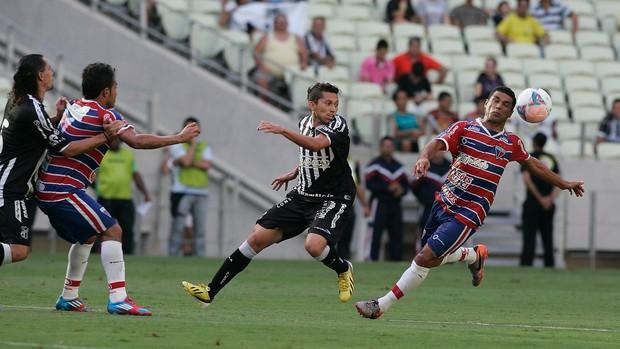 Camilo Santana sanciona lei que repassa R$ 1,7 mil à clubes do futebol do Ceará