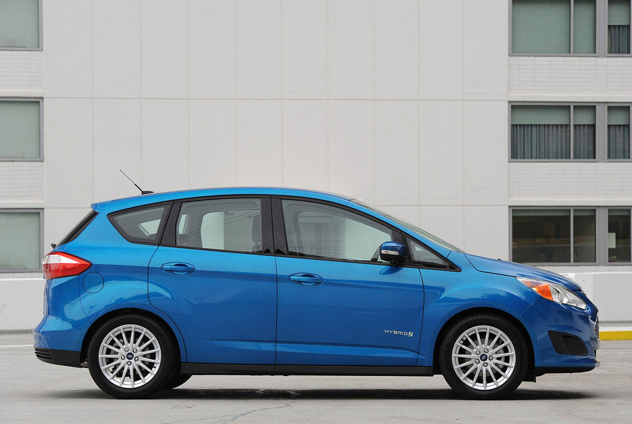 Ford C Max Hybrid Falls Well Short In Careful Cleanmpg Economy Test Beat By Toyota Prius V