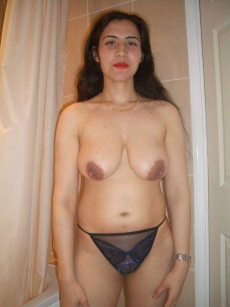 mature mom tits