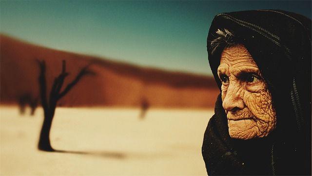 Kisah Sahabat Ali Bin Abi Tholib Menghormati Kakek Nasrani