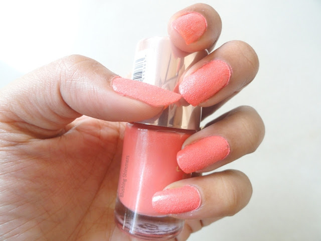 Lakme 9 to 5 Frosties - Peach Frost