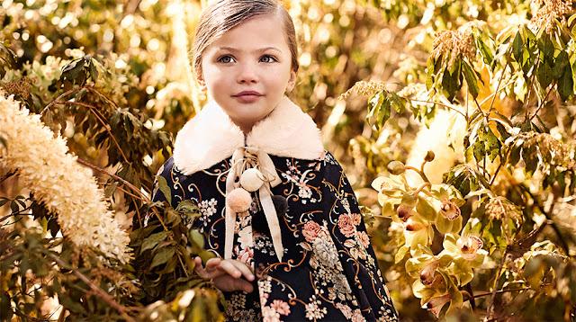 Capas, tapados y abrigos de fiesta para nenas. Moda 2017.