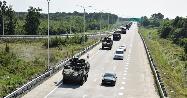 Американская военная техника прошла маршем в 500 метрах от линии российской оккупации в Ахалгори