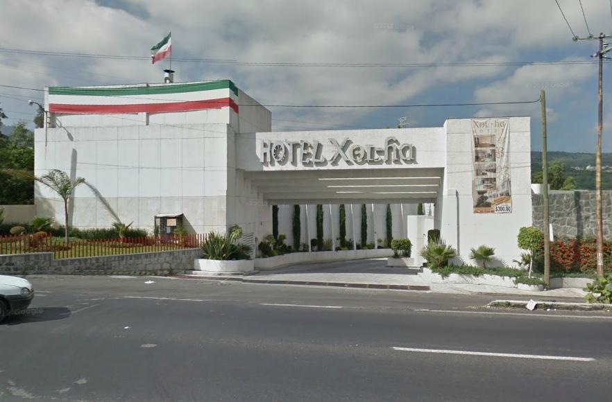 Guia hoteles de paso df cdmx hotel xol ha suite con for Fachadas de hoteles de lujo
