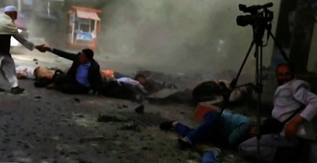 Niños y periodistas muertos en atentados en Kabul, Afganistán