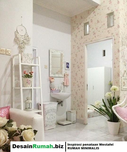 DesainRumah.biz - Contoh desain tata ruang penempatan westafel pada rumah minimalis.