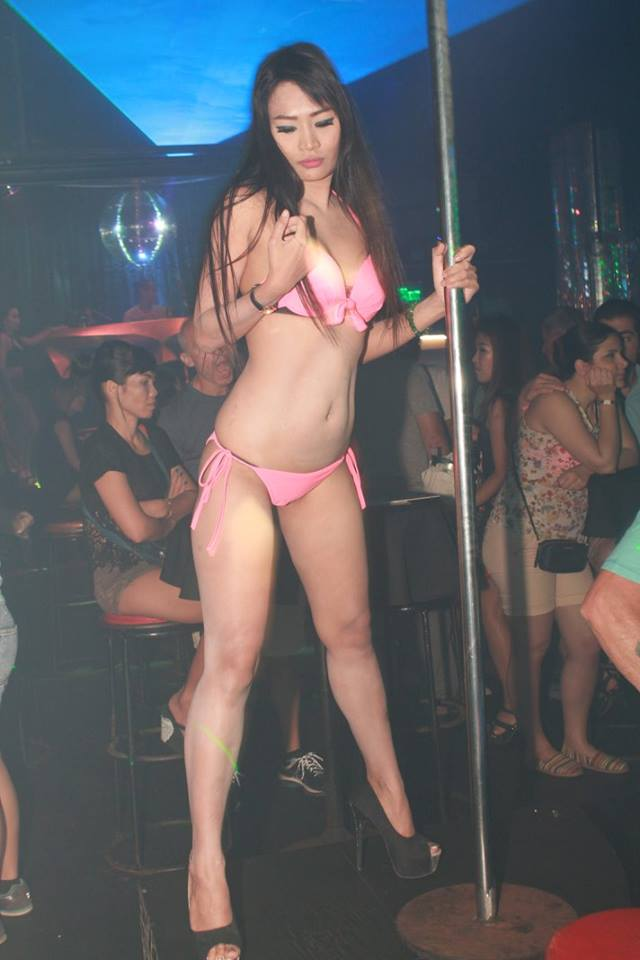 Strip Hot girls club dancing