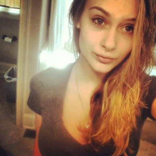 Alyssa-Cunningham-Morning-Selfie