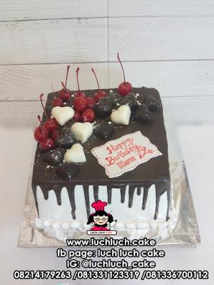Kue Tart Siram Coklat Romantis Untuk Istri