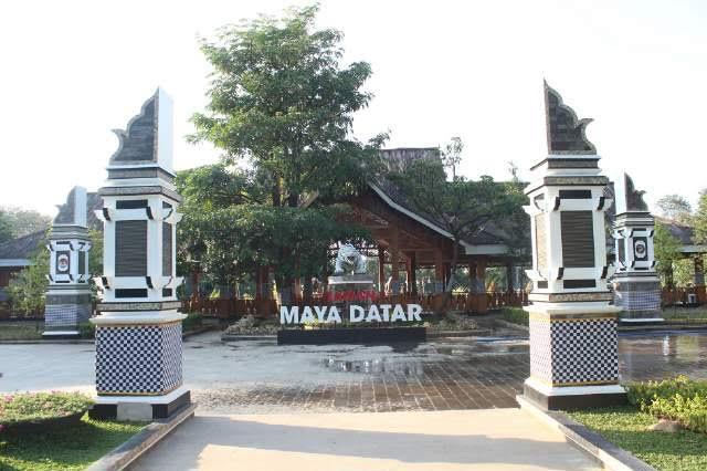 Alun-alun Kiansantang & Taman Maya Datar