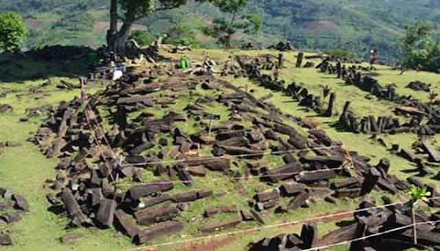 Hasil gambar untuk prasejarah indonesia