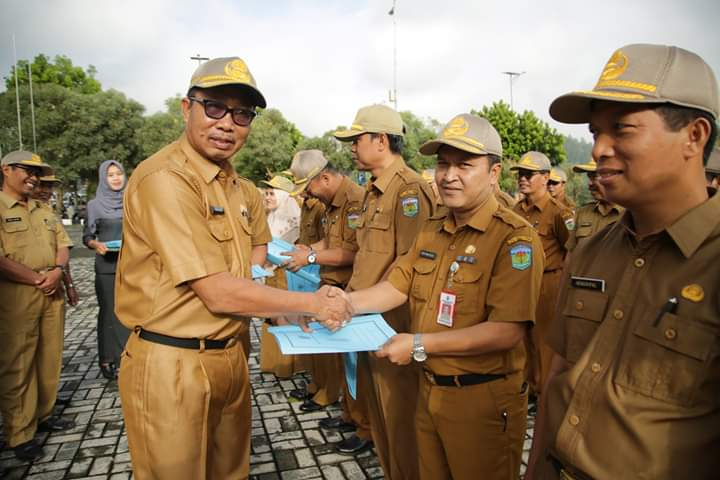 Sekda Intruksikan SKPD Tingkatkan Kinerja dalam Melayani Masyarakat