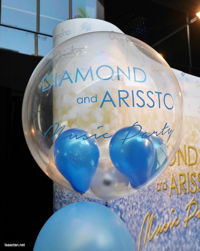 Diamond & Arissto Coffee Music Party