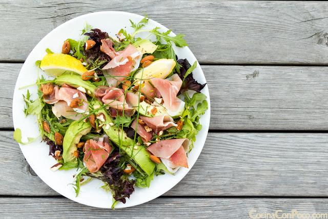 Ensalada de aguacate y jamón - Receta fácil de verano
